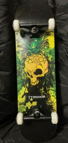 skateboard complete 32 maple deck pineskull