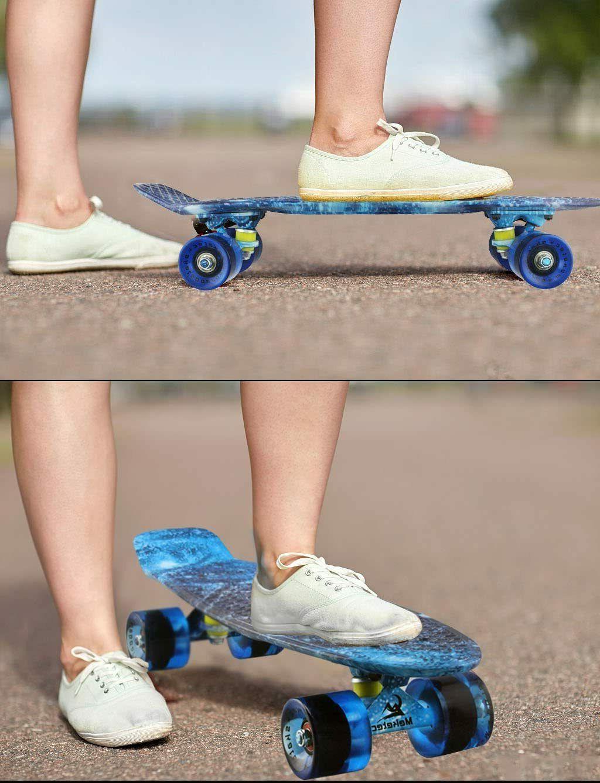 Skateboards 22 Inch Mini Retro Skateboard for Kids